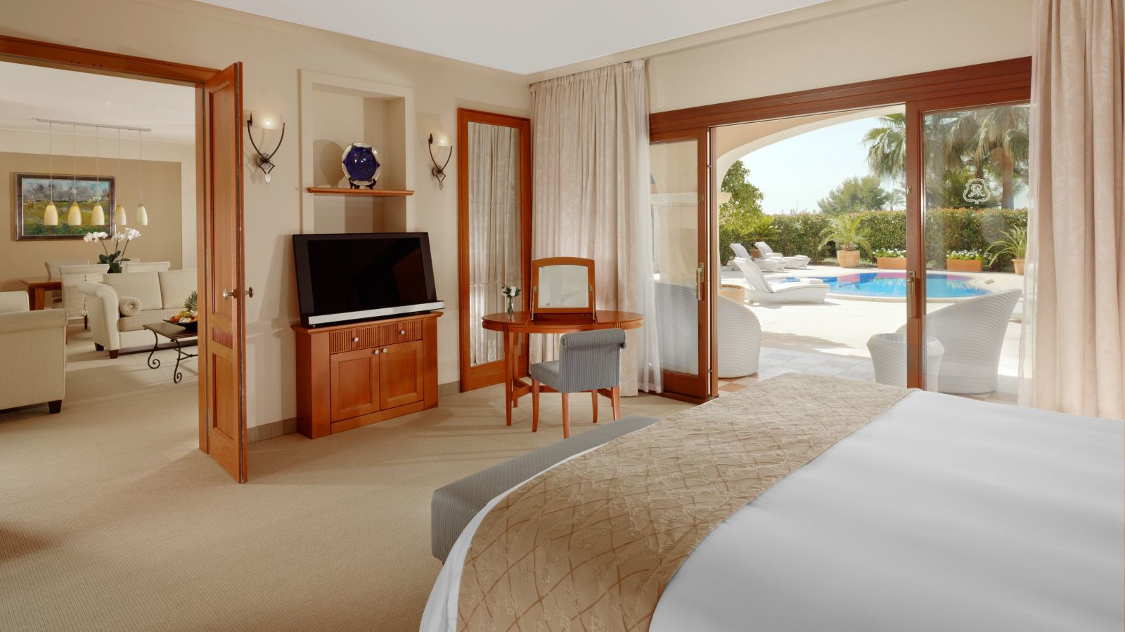 Blue Oasis Suite | The St. Regis Mardavall Mallorca Resort