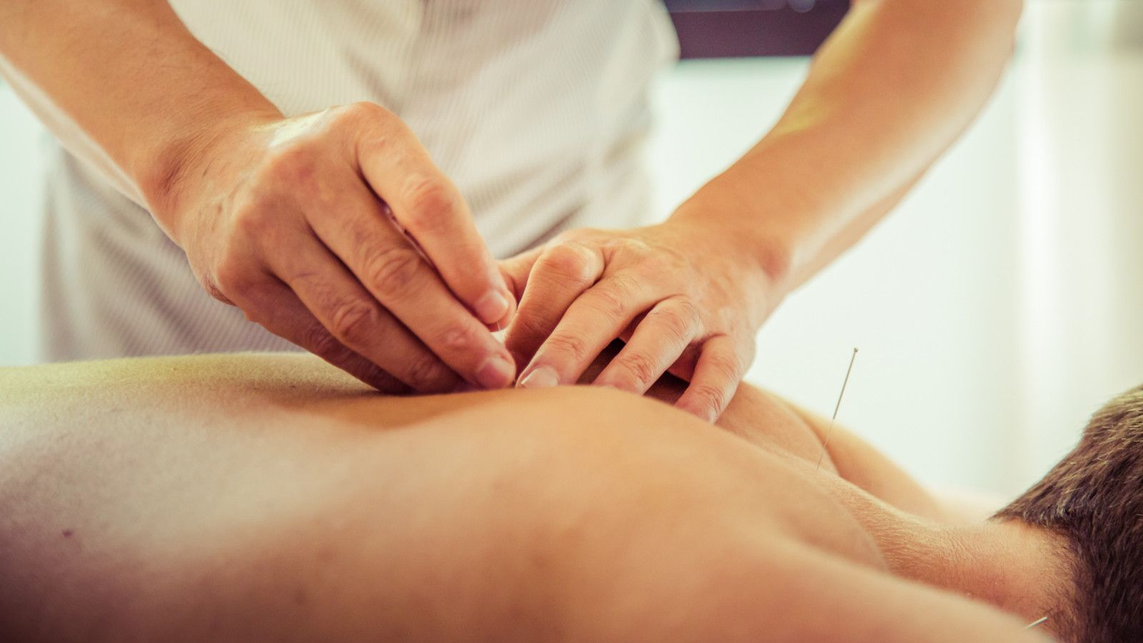 Therapeutical massage with finger pressure Arabella Spa Mallorca