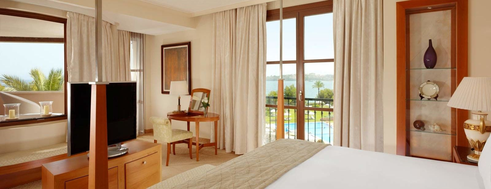 Mardavall Diamond Suite | The St. Regis Mardavall Mallorca Resort